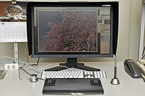 2012121
